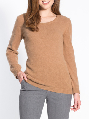 Pull 50% angora, stature moins d'1,60m