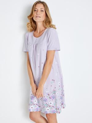 Chemise de nuit courte tendance estivale