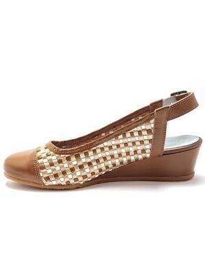 Sandales à bout fermé en cuir tressé