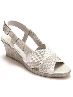 Sandales tressées main grande largeur