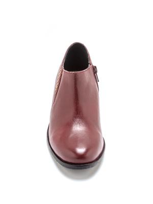 Boots basses en cuir détails clous