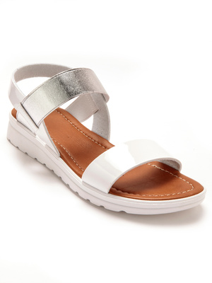 Sandales, largeur confort