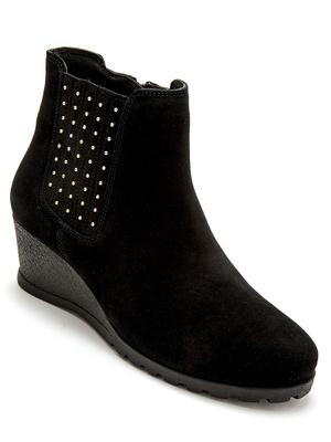 Boots tendance cloutées, largeur confort